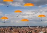 Bologna con ombrelli