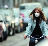 ciclista con mascherina