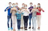 Volontari con mascherina