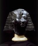 La testa del faraone Apries