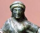 Particolare di una cimasa di candelabro etrusco
