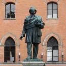 TULLO GOLFARELLI (1852 - 1928) | Lo scultore dei lavoratori