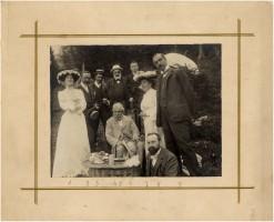 Merenda alla pineta di Motta (Madesimo) nel 1903