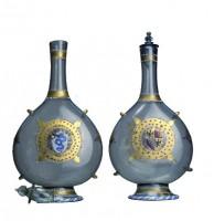 Coppia di fiasche con lo stemma dei Bentivoglio e degli Sforza