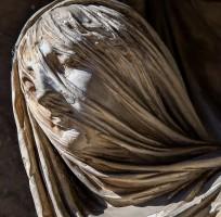 Forme di marmo | percorso tattile tra chiostri, sale e gallerie