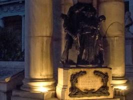 Particolare del Monumento Atti