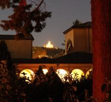Una Certosa mai vista al calar della sera