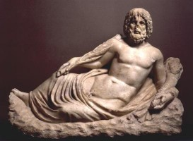 Statua di divinità fluviale