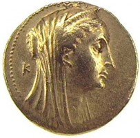 Gold octadrachm of Arsinoe II (obverse)