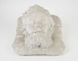 Golfarelli: maschera del poeta sul letto di morte