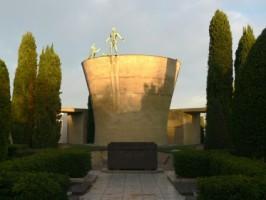 Monumento Ossario ai partigiani caduti (prima del restauro)