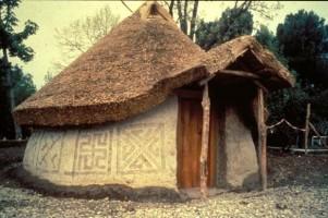 Ricostruzione al vero di una capanna villanoviana