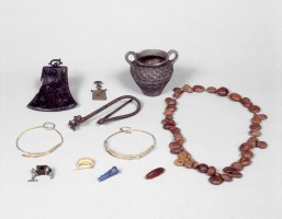 "Female's grave goods, ""Tomb of the Gold Jewellery"""