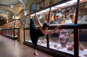 Dancin'Bo al Museo Archeologico. Foto Tommaso Cenci