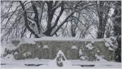 L'altorilievo e Carducci sotto la neve
