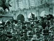 I mutilati di guerra al Tedeum della Vittoria, Piazza Maggiore, 1918