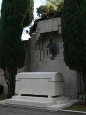 Monumento funerario di Giorgio Morandi, Certosa di Bologna, Campo Carducci