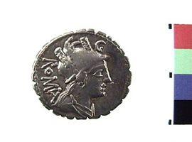 Denario serrato in argento di C. Publicius Q.f.(Fronte)