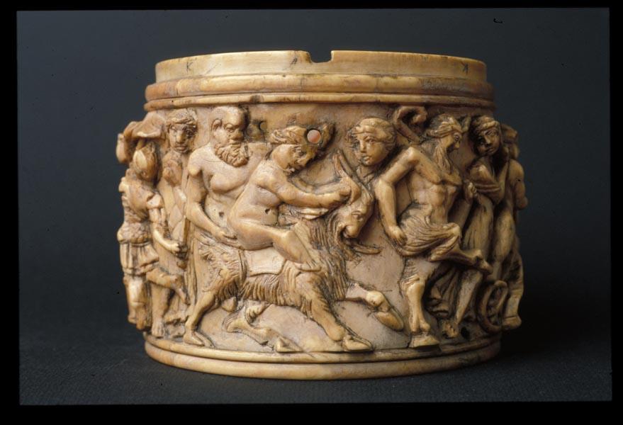 Pisside in avorio dalla Collezione Romana, V secolo d.C. Museo Civico Archeologico