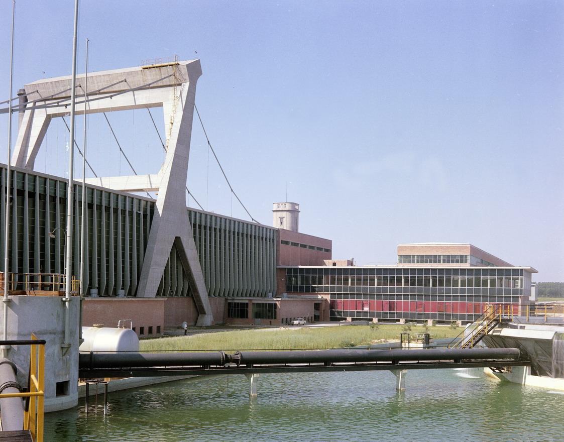 Architettura nelle fotografie dell'Archivio Villani